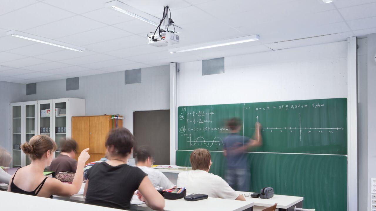lichtmanagemenet-system-livelink-schule.png