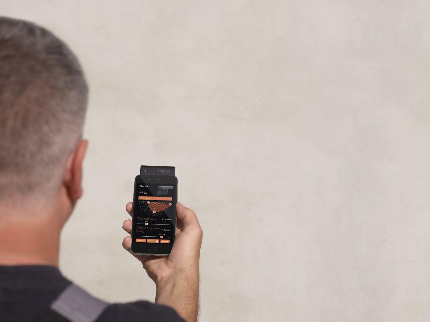 smart-remote-anwendung-handy.jpg