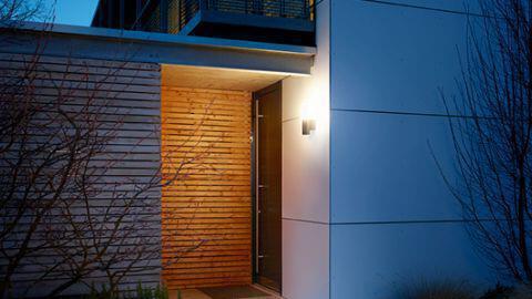 leuchten-und-strahler-l-600-cam-hauseingang.jpg