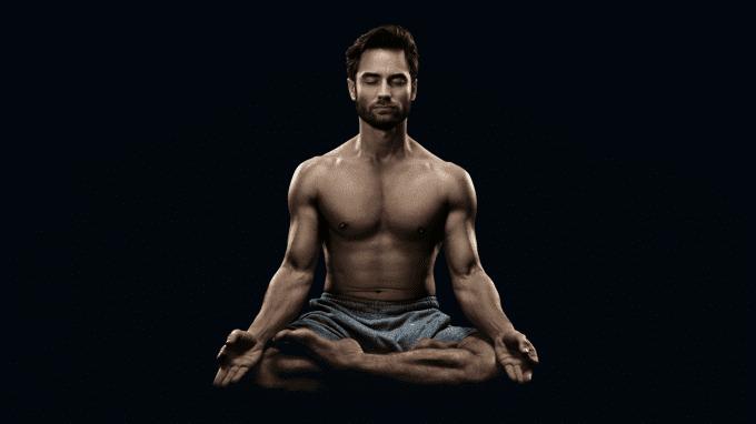 true-presence-meditierender-mann.png